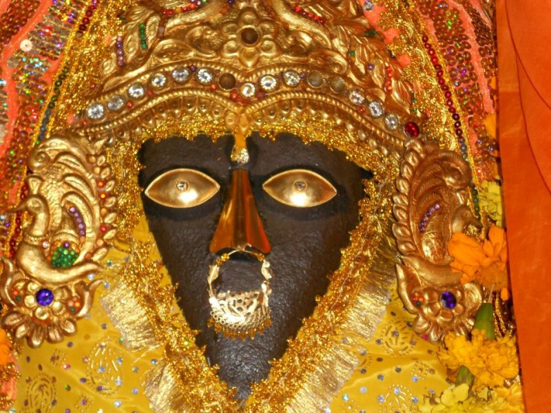 ma-baglamukhi-at-bankhandi-temple-kangra-himachal-pradesh-india